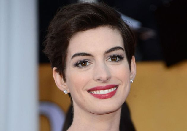 hairstyles for women with large noses