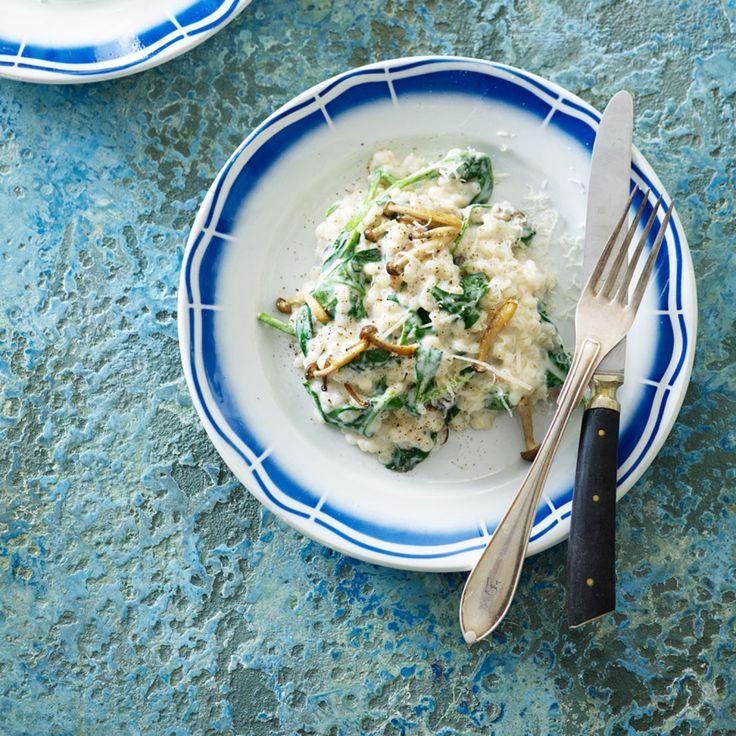 Kermainen ohratto pinaatin, sienien ja parmesaanin kera - Salakis