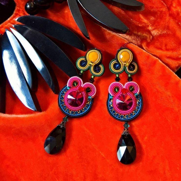Color me beautiful with Dori Csengeri's Fantasie earrings! The earrings are now available at Mustahoyhen boutique, Helsinki, Finland.  #doricsengeri #helsinki #helsinkishopping #boldcolors #springtrends #ss2018 #designerearrings #designerjewelry #luxuryshopping #highfashion
