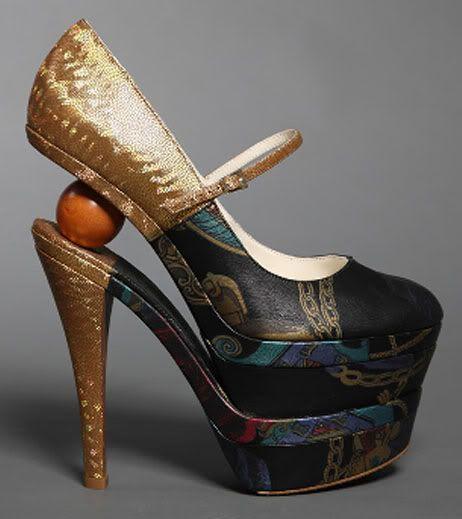 Mihai Albu – The Shoe Architect    imagine walking in these!