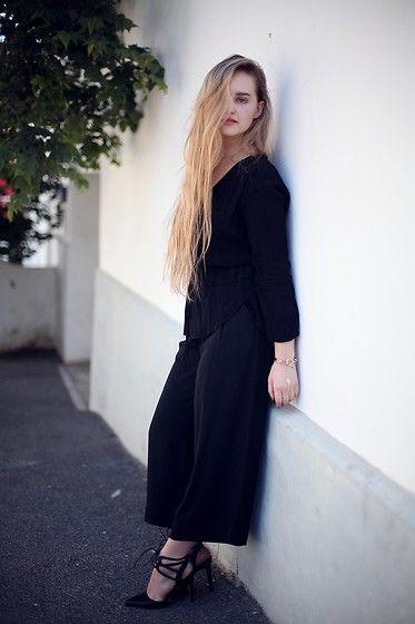 Meira Friedland -  - Office Dress Code