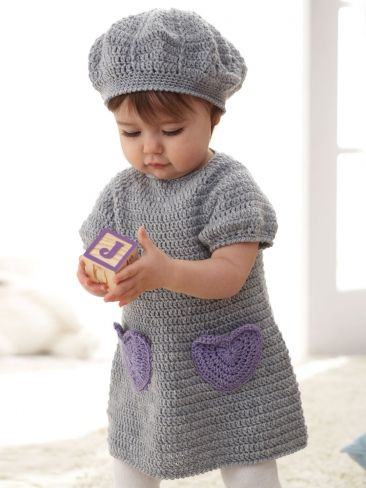 Sweet dress with accent heart pockets and matching beret for ages 6 to 18 months. #valentinesday #crochet #hearts
