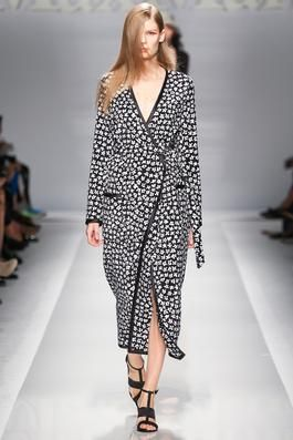 Max Mara Spring 2015 Ready-to-Wear Fashion Show: Complete Collection - Style.com