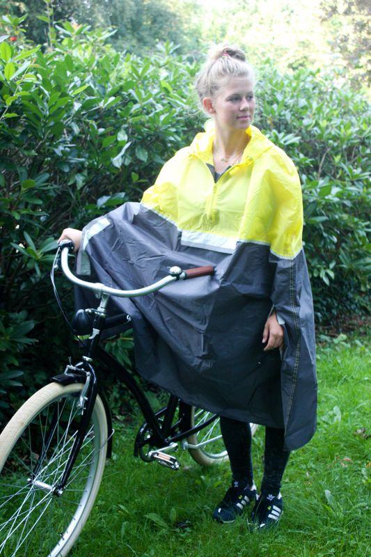ber ideen zu regenjacke auf pinterest gelbe regenjacke regenmantel und friesennerz. Black Bedroom Furniture Sets. Home Design Ideas