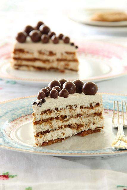 Lotus Biscuits and Mascarpone Layer Cake