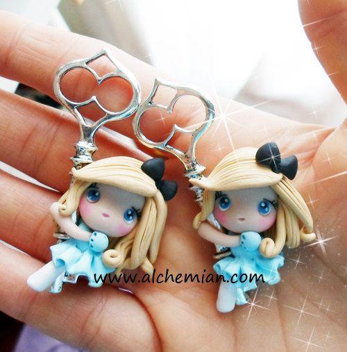 1 Alice in wonderland inspired  ooak necklace by AlchemianShop, €25.00 ♥ ♥ ♥ ♥ ♥ ♥ ♥