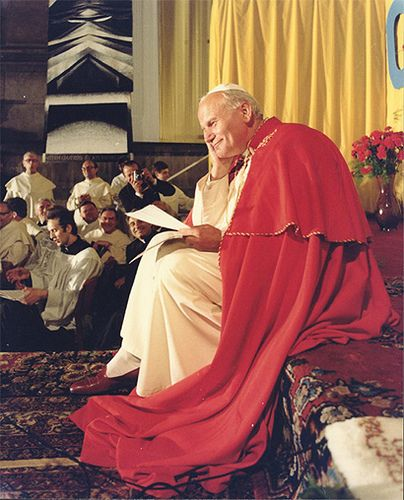 This is my all time favorite picture of Pope John Paul II..just the sweetest!