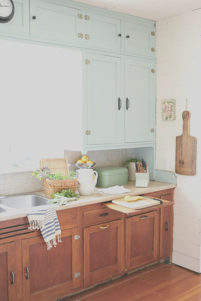 14 Awesome Vintage Decor Kitchen Photos In 2020 Kitchen Remodel Layout Budget Kitchen Remodel Kitchen Inspiration Design
