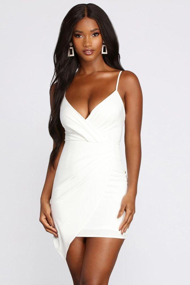 Pin On White Dress [ 1104 x 736 Pixel ]