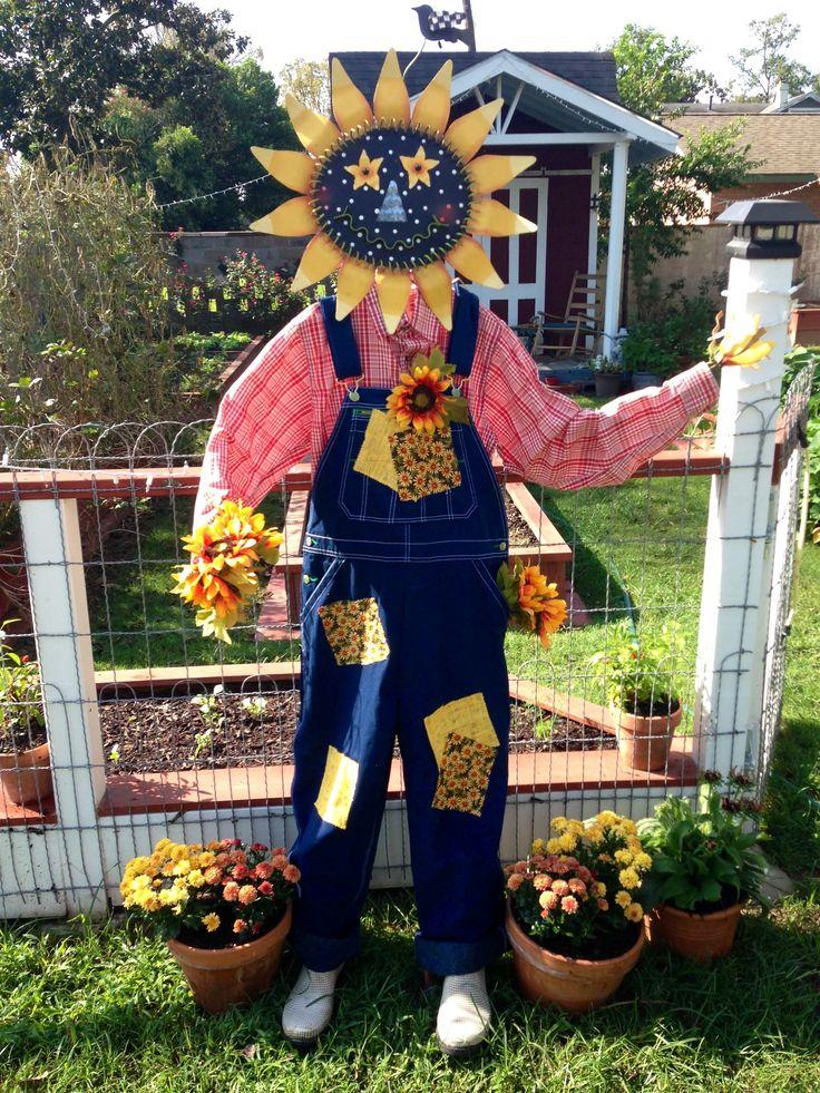 My garden scarecrow!