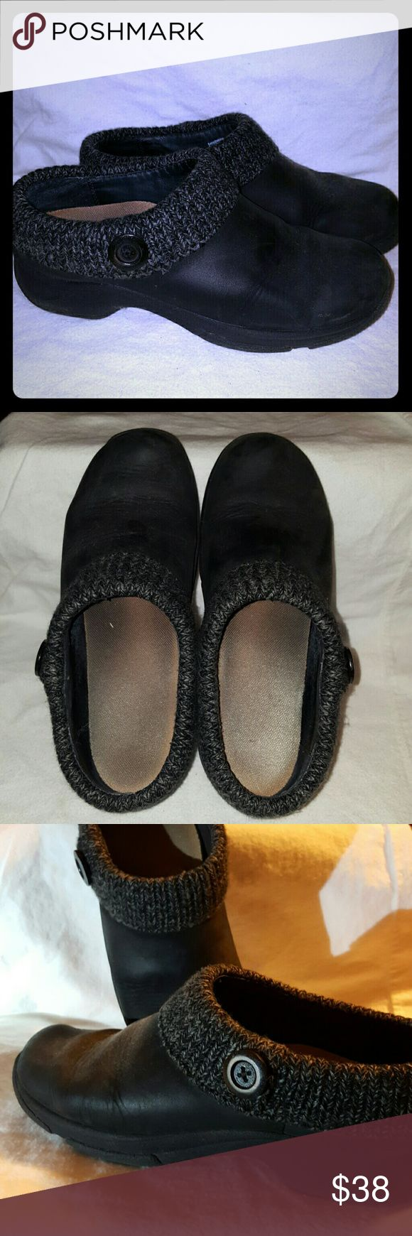 Dansko clogs Sweater type fabric around the edges. Leather upper (nubuck). the Dansko insole has been replaced with a store-bought insole like Dr. Scholl's. Used. Size 40 European. Dansko Shoes Mules & Clogs