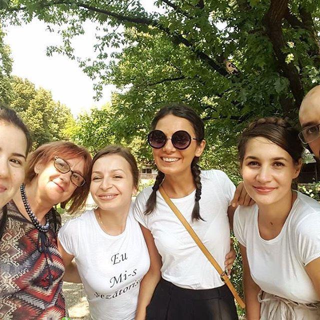 Smiiile! 😊❤️ După șezătoarea din cadrul Școlii de vară, Universitatea din București #sezatoareaurbana