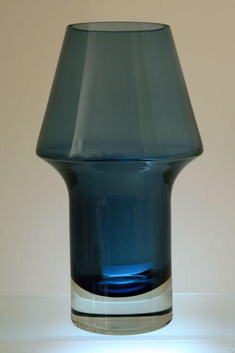 Aimo Okkolin Stromboli vase for Riihimaki, designed 1962
