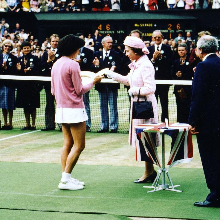 To mark the Queen's birthday, we're remembering her visit to #Wimbledon in 1977, when she handed the Ladies' Singles trophy to Virginia Wade