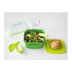 IKEA - BLANDNING, Boîte repas pour salade, Convient particulièrement pour des salades car la boîte repas s'accompagne d'un couteau, d'une fourchette et d'un récipient pour les sauces ; facile à emporter et à utiliser pour manger directement dedans.Le couvercle étanche évite les fuites et protège le contenu du givre, ce qui rend ce récipient idéal pour transporter ou conserver des restes.L'assiette placée au milieu vous permet de séparer une tranche de pain ou un…