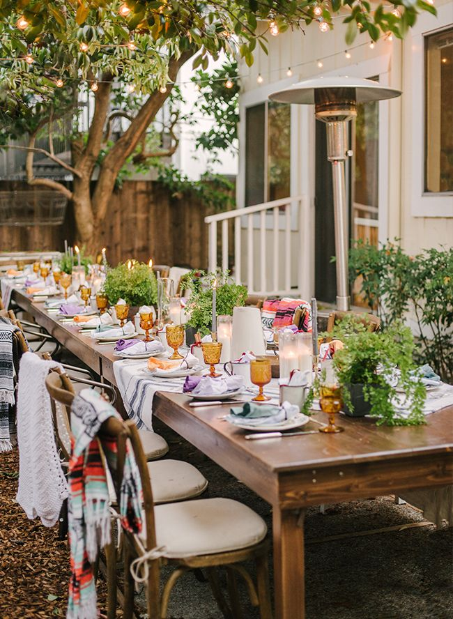 If you are as excited as we are about the turn into the holiday season next week, you will love this boho backyard Friendsgiving! We love hosting Thanksgiving with friends.