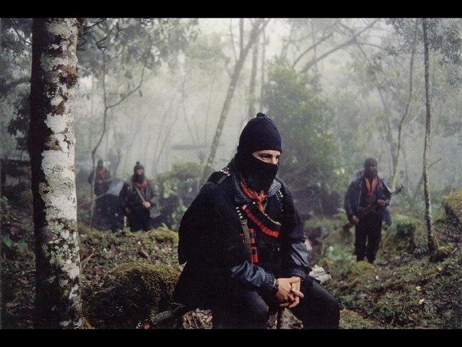 """La clase de la escuela #zapatista, explicó, se llama La Libertad, y será impartida directamente por """"compañeros y compañeras bases de apoyo del #EZLN, que han desempeñado los distintos cargos de gobierno, vigilancia y cargos de diversa responsabilidad en la construcción de la autonomía zapatista"""".    Para poder ingresar a la escuelita, además de ser invitad@s los adherentes al movimiento e invitados especiales deberán tomar preparatorios, previos o propedéuticos."""