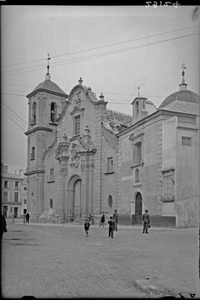 Santa Eulalia  church is impresive. Would it be possible to upload more pictures of others churches in the city that were taken around 1930 by photographer Antonio Passaporte Murcia: Business Center Metropolis Empire - Page 352
