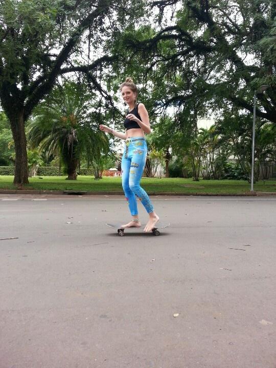 Two Kids Skateboarding Part 1 - YouTube