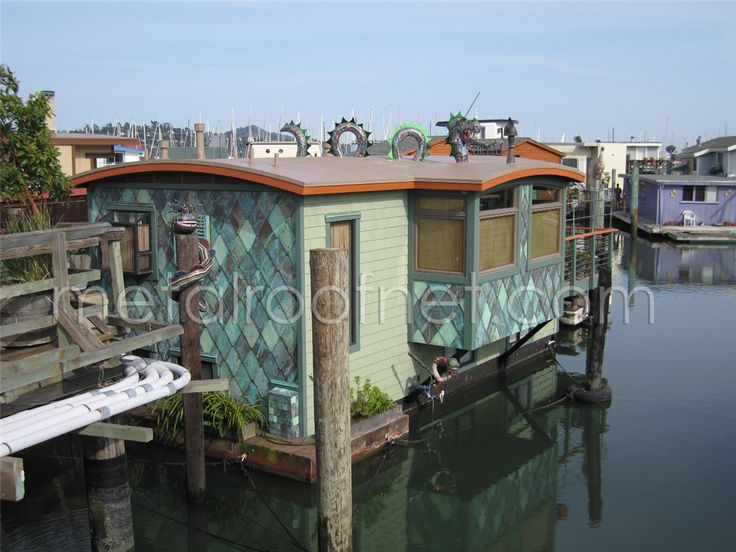 Best Our Aged Copper Diamond Shingles For A Houseboat Using A 400 x 300