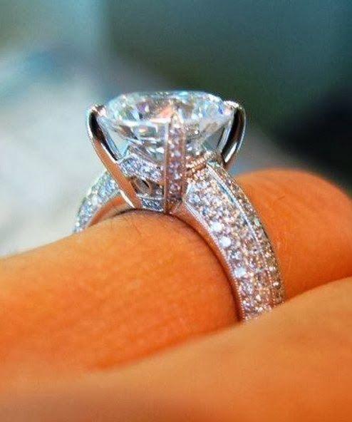 Adorable Gorgeous Diamond Engagement Ring Bling