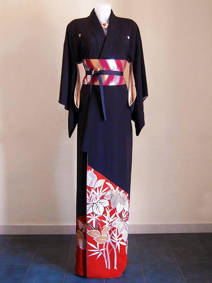Kurotomesode Kimono formale con pregiato motivo di fiori di paulownia dipinto a mano e ricamato + cintura obi artigianale PEZZO UNICO - 100% SETA