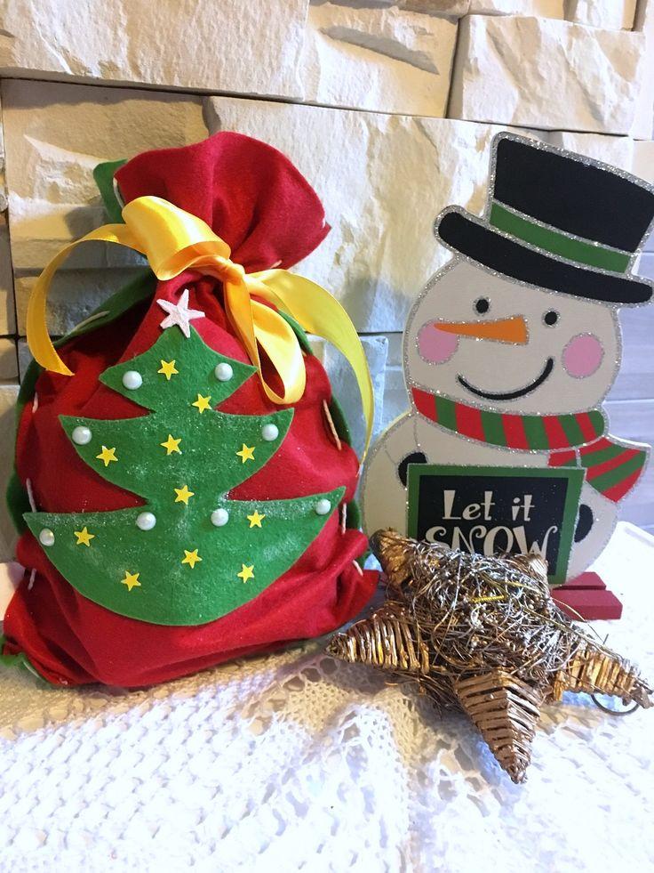Ciekawy pomysł na opakowanie prezentów! Worek z filcu, zapraszamy po nasze DIY! #prezenty #filc #bożenarodzenie