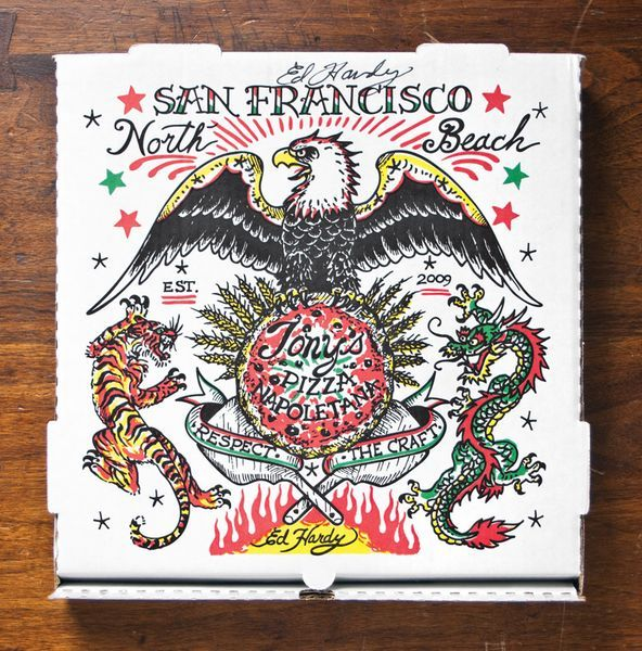 Cette boîte d'une pizzeria californienne (Tony's pizza) est dessinée par Ed Hardy, artiste connu pour son travail sur le tatouage.