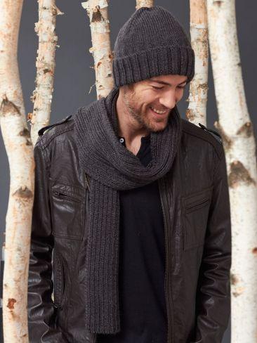 Men's Basic Hat and Scarf Set   Yarn   Free Knitting Patterns   Crochet Patterns   Yarnspirations