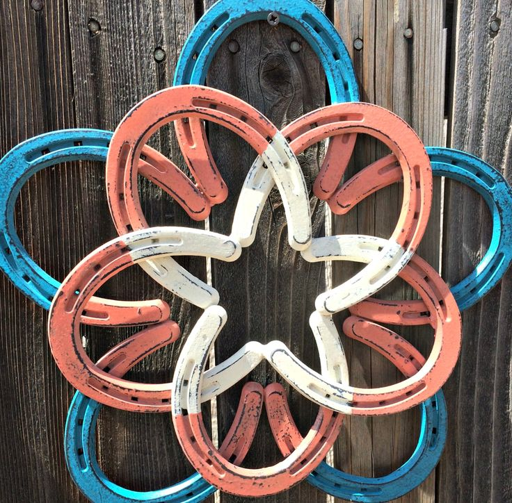Rustic horseshoe wall hanger,  Painted in southwestern colors