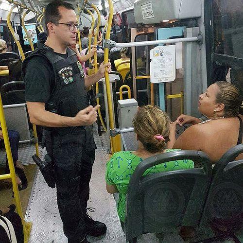 Secretário de segurança está mostrando uma forma diferente de trabalho com a população: ift.tt/2kub9bs