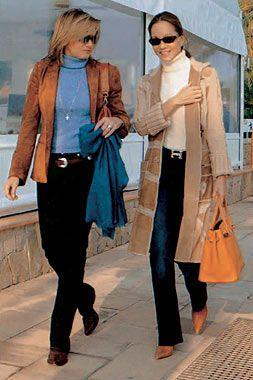 Isabel Preysler y Miriam Lapique paseando por Puerto Portals.