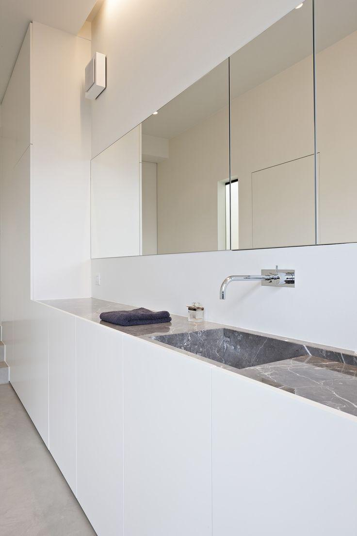25 beste idee n over marmeren badkamers op pinterest marmer uit carrara marmeren douches en - Marmeren douche ...