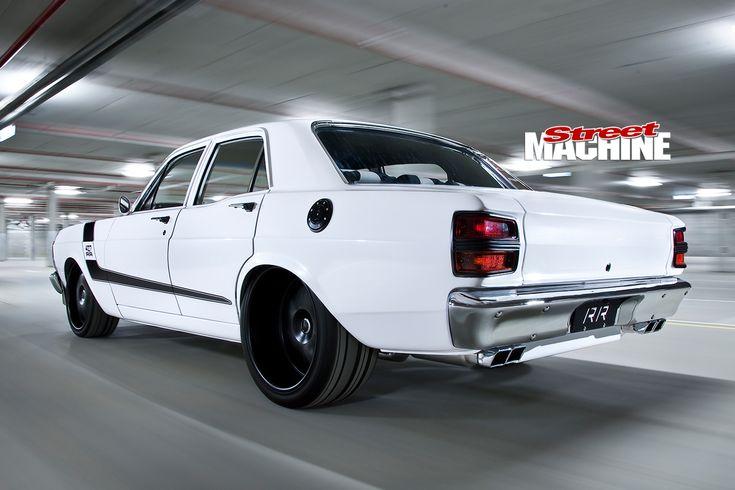 Ford -Falcon -XY-Elite -rear -motion