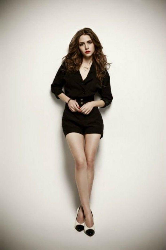 Ezgi Asaroglu - her skin care secrets at http://skincaretips.pro