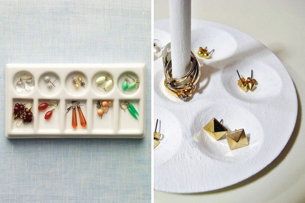 Paint Palette Jewelry Holder | 50 Clever DIY Ways To Organize Your Entire Life