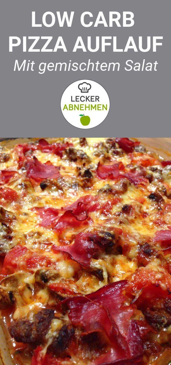 Ein köstlicher Low Carb Pizza Auflauf. Dazu gibt es einen gemischten Salat oder Röstgemüse. Dieser Low Carb Pizza Auflauf schmeckt garantiert jedem, der das italienische Gericht liebt, sich aber derzeit kohlenhydratarm ernährt.