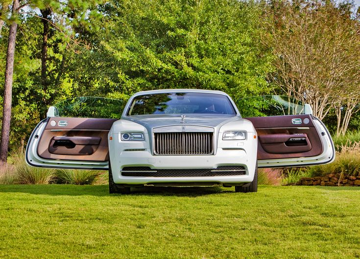 2017 Rolls Royce Wraith on the set of photoshoot at Carlton Woods Country Club