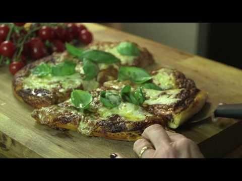 Margherita pizza recipe video - delicious. magazine