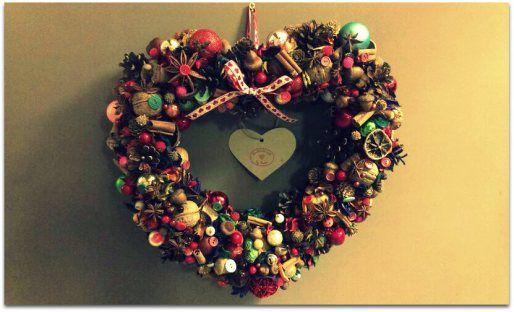 Cuda wianki…moja świąteczna zajawka. Pachnące anyżem, cynamonem i pomarańczami. Materiał na wianki magazynuję cały rok przez co każda wycieczka do lasu kończy się wypchanymi. kieszeniami:) Og…