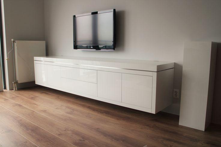 25 beste idee n over witte tv meubels op pinterest oude meubels restaureren tv stand - Witte meubels en rode ...
