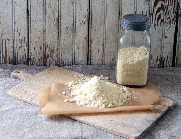 Paleo Baking: Almond Flour vs. Coconut Flour | Elana's Pantry