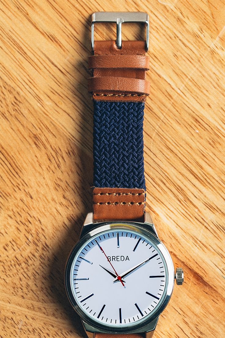 Clean, minimalistic lines with understated nautical vibes make this a watch you'll wear every day, & it's exclusively ours. If leather's not your scene & you're wary of metal (scratched screens, catches on sweaters, y'know...), get a weave.