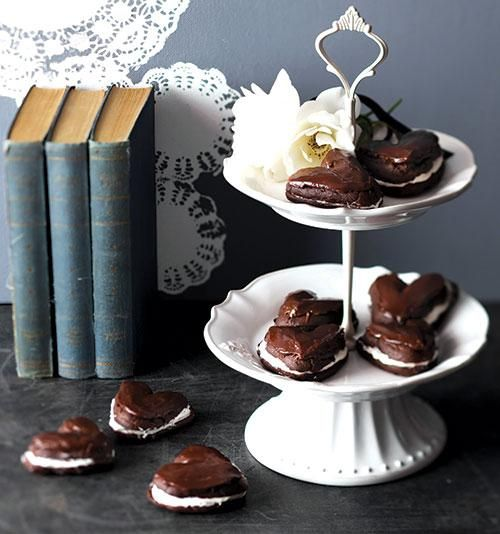 Chocolate puffs   Sjokolade-hartjiepoffertjies