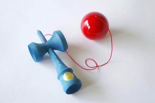 おもちゃのマミーで見つけた 大空けん玉「Cool」|東京 自由が丘 Jiyugaoka, Tokyo