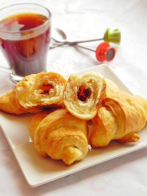 Cornuri cu ciocolata – Croissants