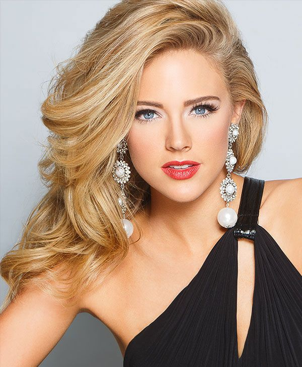 Gorgeous hair, perfect for headshots!  http://thepageantplanet.com/category/hair-and-makeup/