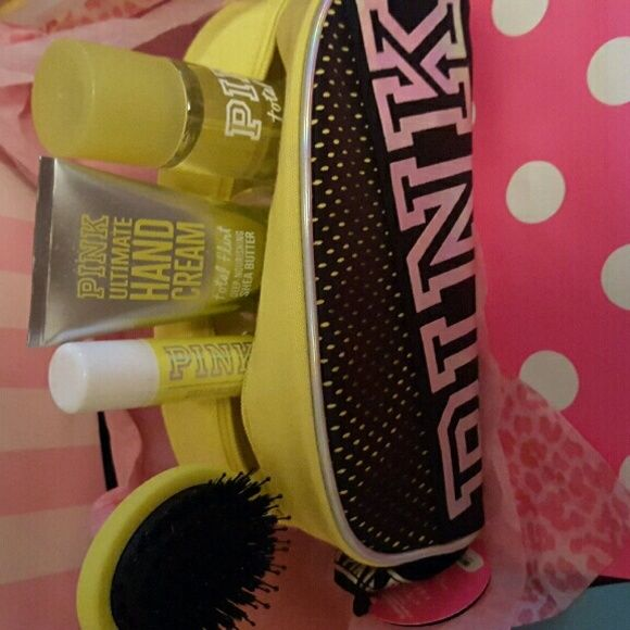 pink total flirt body lotion
