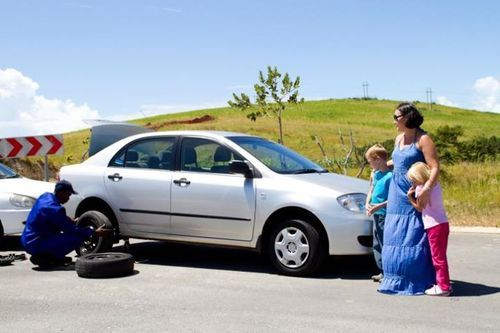 Call on 1300725504 for Roadside Assistance in all Melbourne suburbs including Diamond creek, Greensborough, Bundoora & more.#RoadsideAssistanceMelbourne http://www.avipmobilemechanics.com.au/