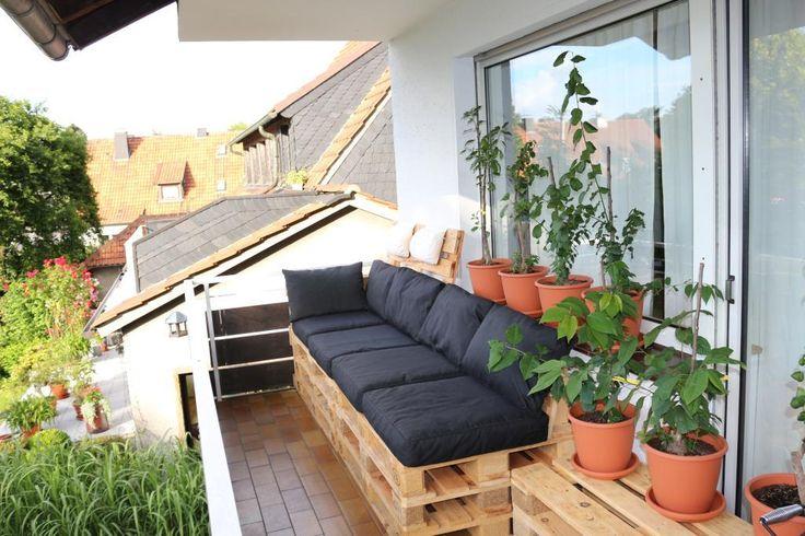 balkonm bel aus europaletten balcony diyfurniture home. Black Bedroom Furniture Sets. Home Design Ideas